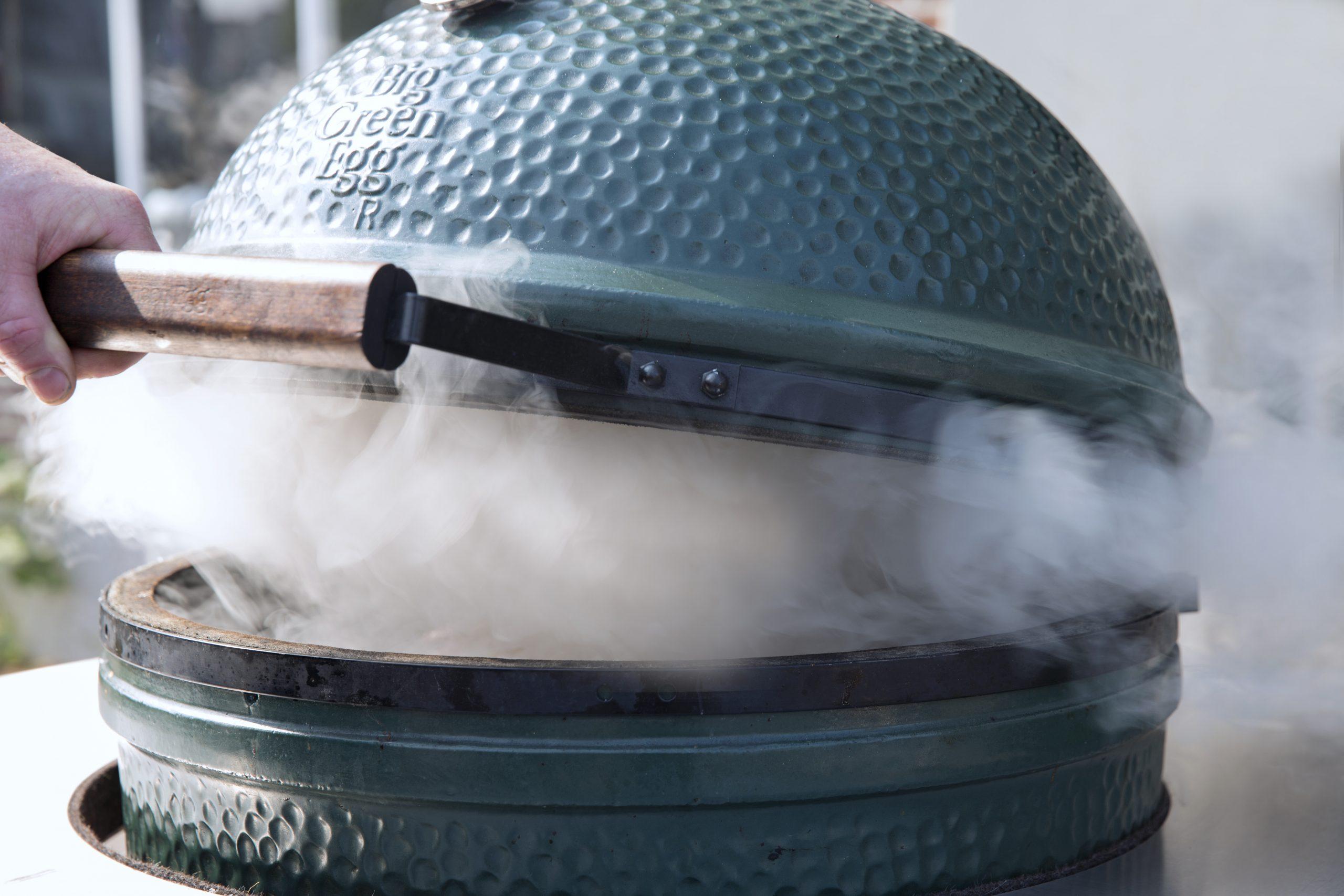 Big Green Egg Smoke